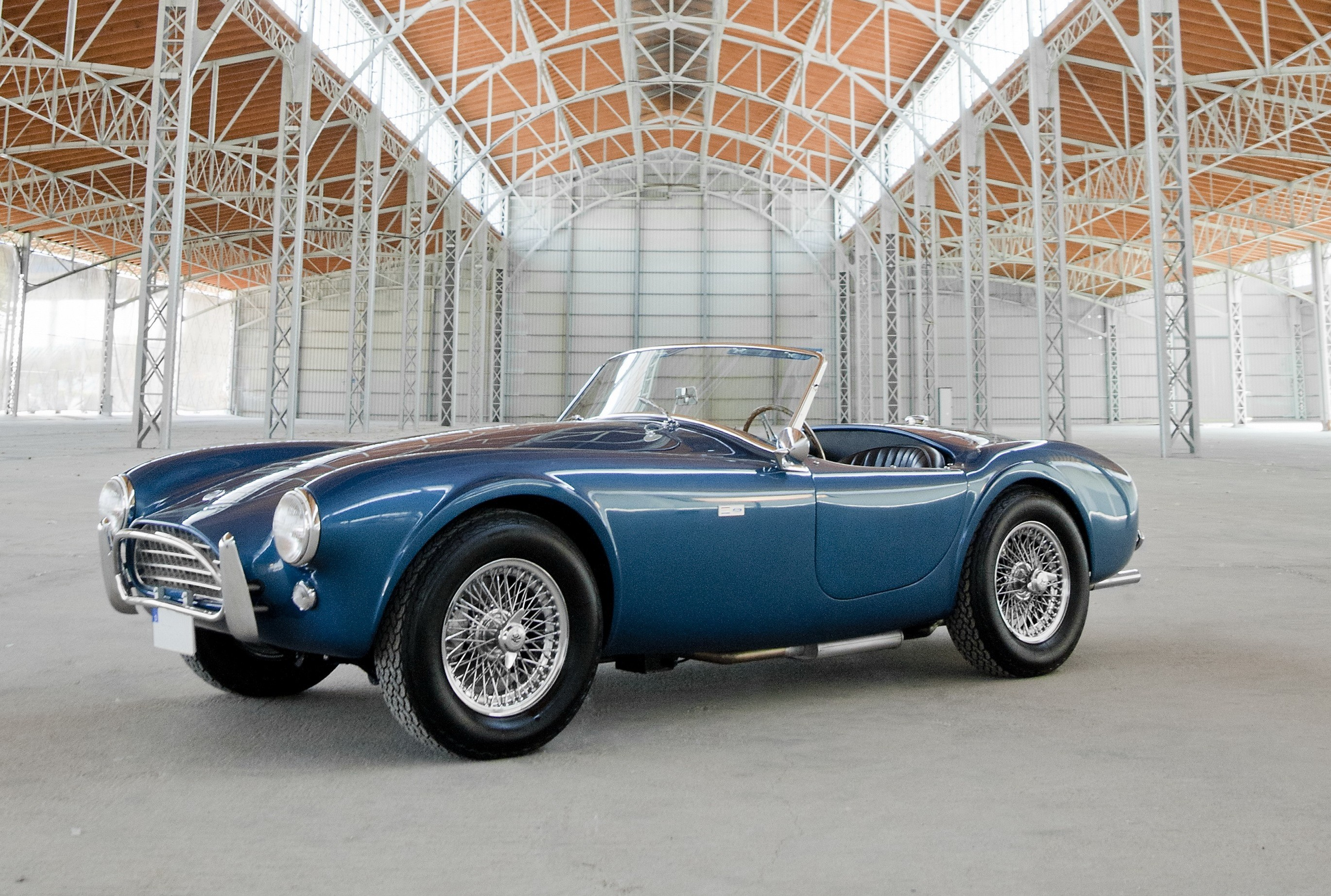 1963 Shelby Cobra 289 Mk. I in Guardsman Blue (linke Seite)
