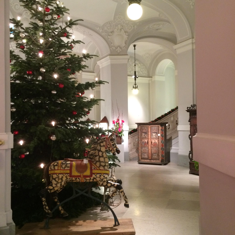 weihnachten im dorotheum geschenktipps dorotheum kunst blog. Black Bedroom Furniture Sets. Home Design Ideas