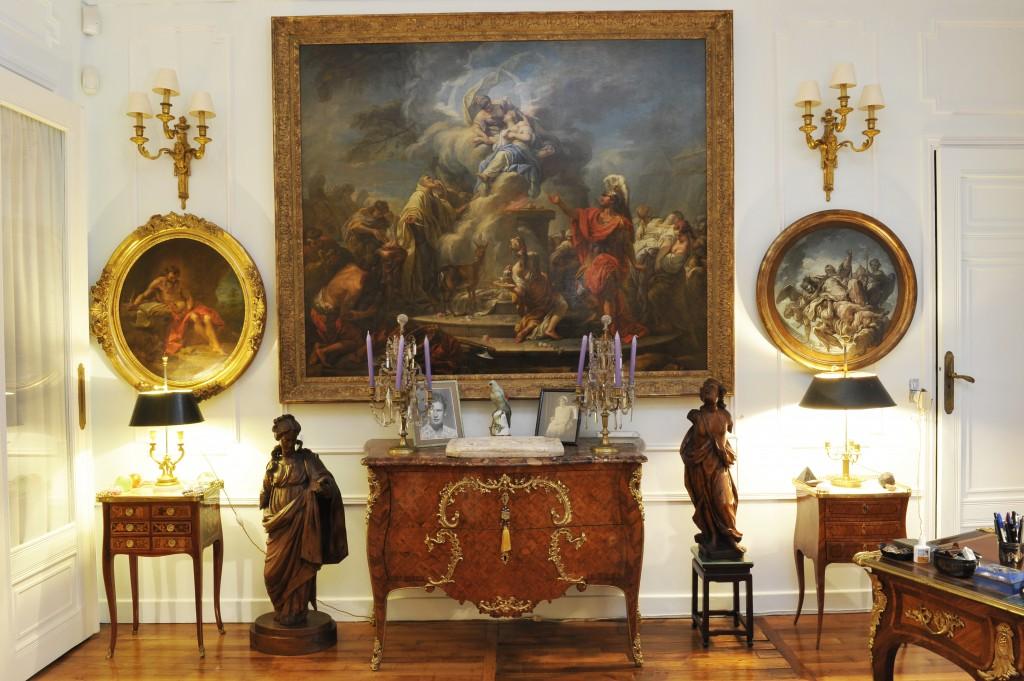 Kunstsalon und Wohnzimmer