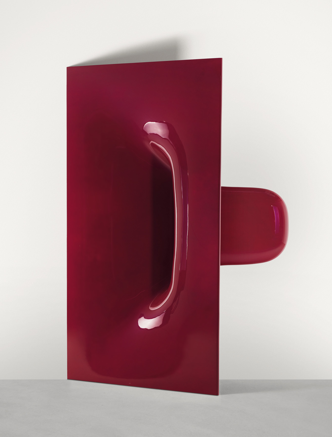 Anish Kapoor, Pouch, sculpture in red fibreglass