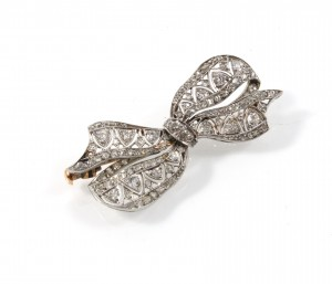 jewellery photo of diamond bow brooch
