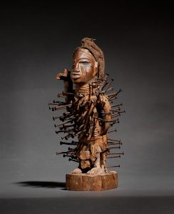 Small nail fetish, Dem. Rep. of Congo, height 24 cm, estimate € 6,000 – 8,000