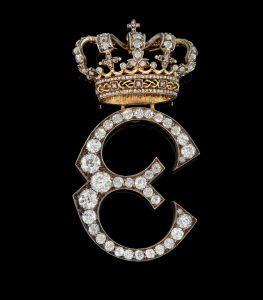 Monogramm Buchstabe E mit Krone Diamanten