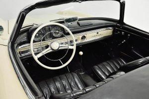 Mercedes-Benz Lenkrad Innenansicht schwarzes Leder