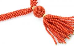 Korallen Sautoir, Zwischenteile Gold 585, Länge ca. 80 cm, Startpreis € 2.000