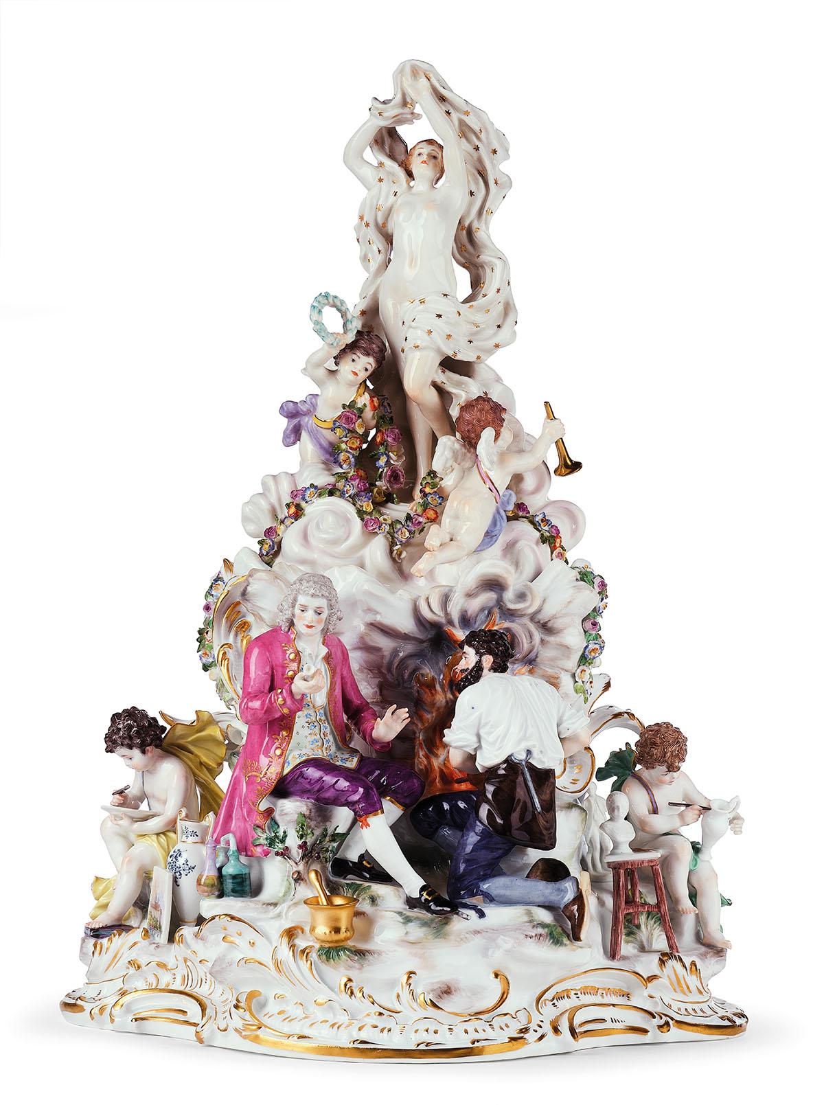 """""""Die Fertigung des Porzellans"""", sehr seltene und historisch bedeutende Figurengruppe, 2 Teile, Meißen, um 1890, Modell O 168, Formernr. 220, Modell von Paul Helmig 1889-1890, Schätzwert € 36.000 - 50.000"""