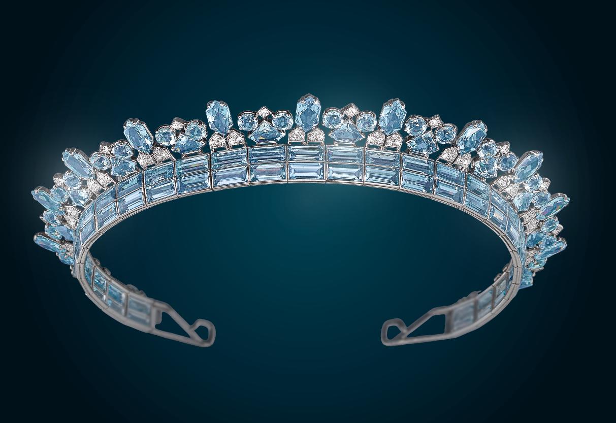 An Art Deco Aquamarine Diadem by Cartier, platinum 950, diamonds total weight c. 4 ct, aquamarines total weight c. 70 ct, €34,000 - 70,000