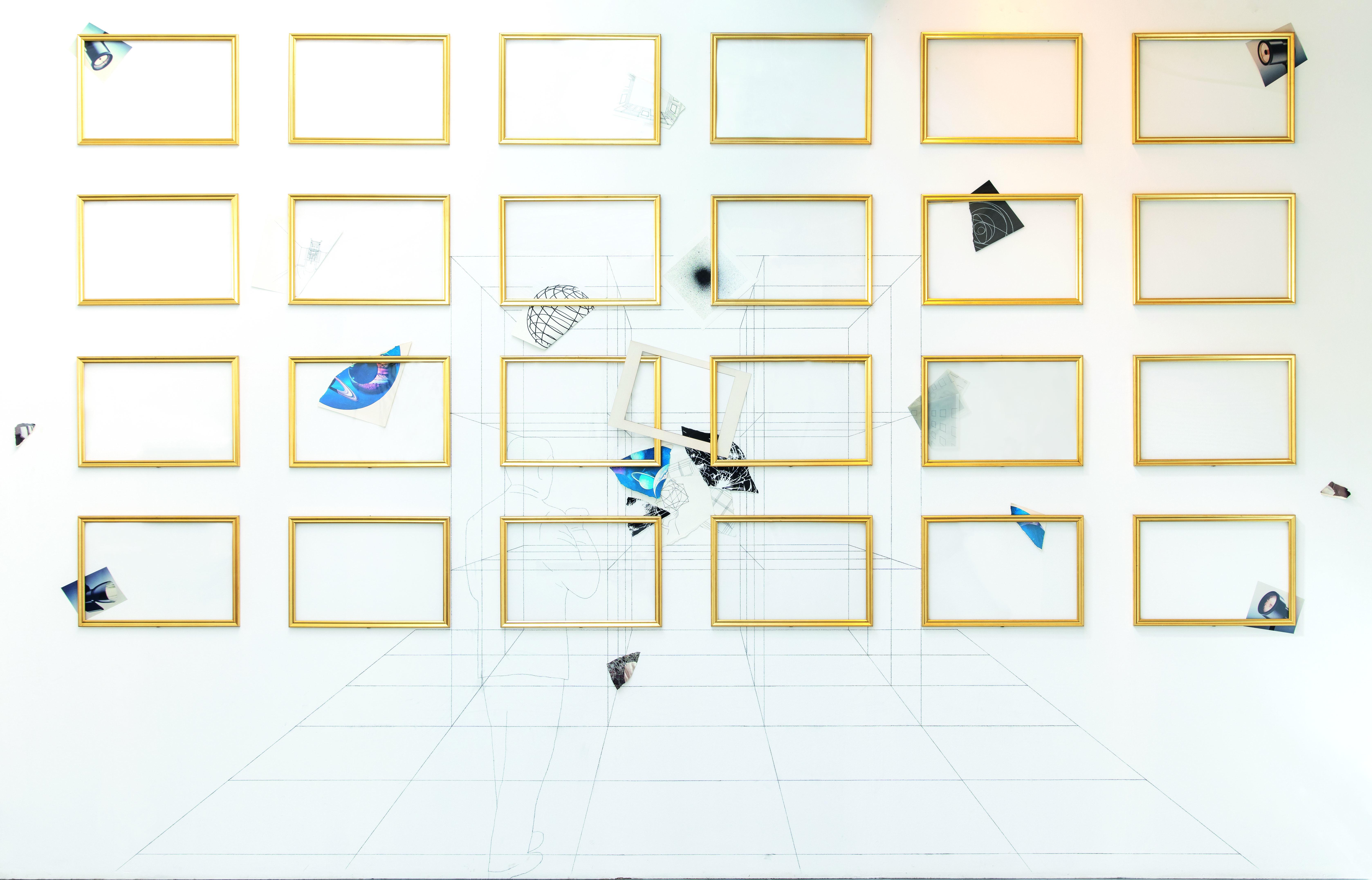 Foto © Amedeo Benestante Giulio Paolini, In ascolto (stanza dello spettatore), 2005, goldfarbene Rahmen, Collage, Bleistift auf Wand, 355 x 520 cm (gesamt), je Rahmen 40 x 60 cm, € 300.000 – 400.000
