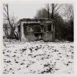 Heimrad Bäcker, Gebäudefragment (Kontrollhaus) im Konzentrationslager Mauthausen, undatiert (1968–1995), SW-Fotografie, 22,8 × 23 cm,© mumok Museum moderner Kunst Stiftung Ludwig Wien, Schenkung Michael Merighi